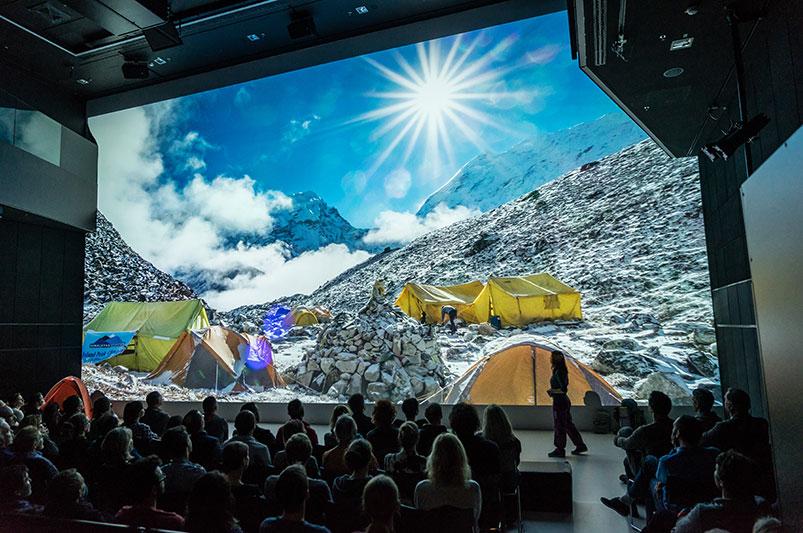 Multimedia-Vortrag im AEC Ars Electronica Center