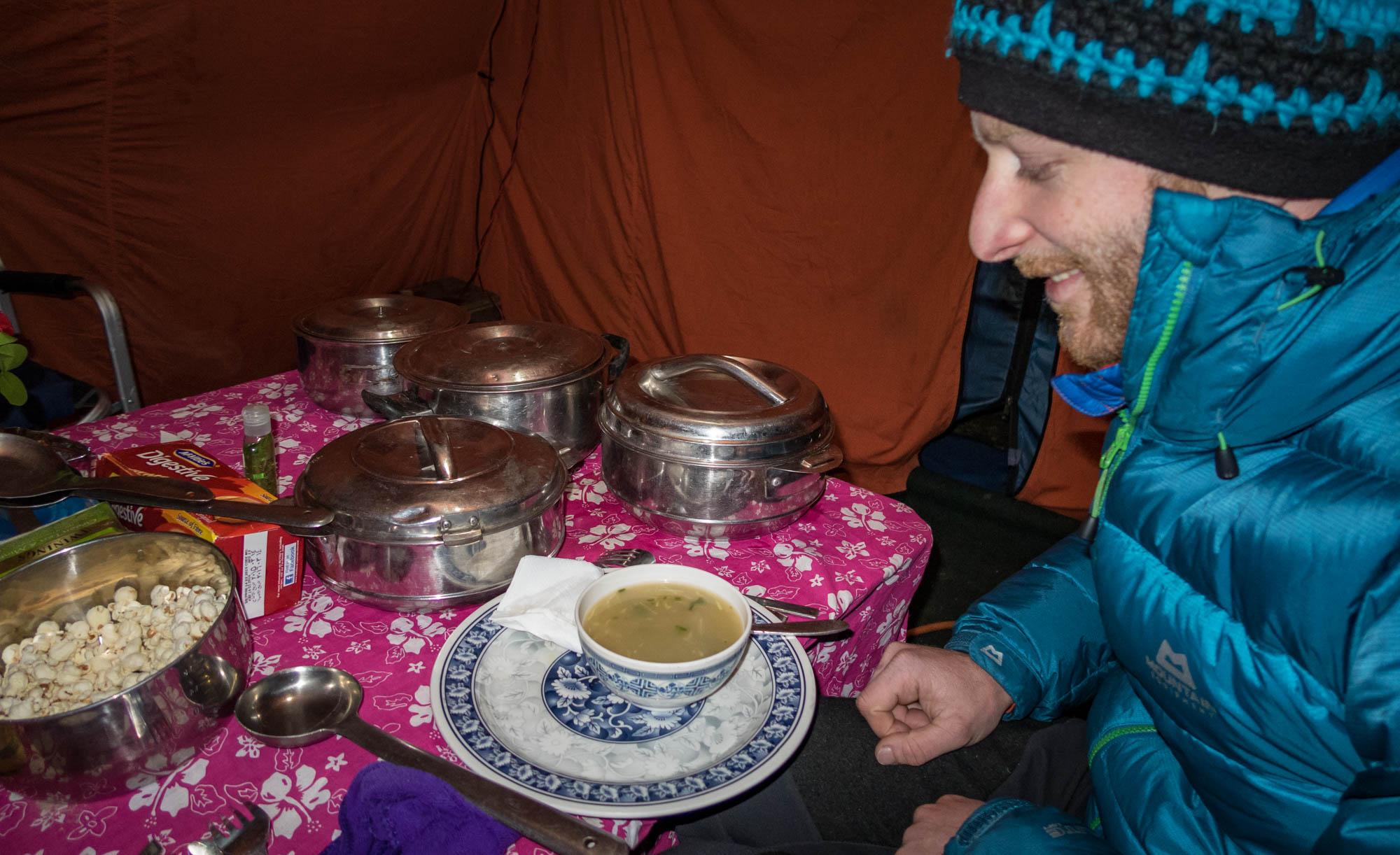 Suppen, Dal Bhat, Popcorn... Was die Köche da alles zaubern!