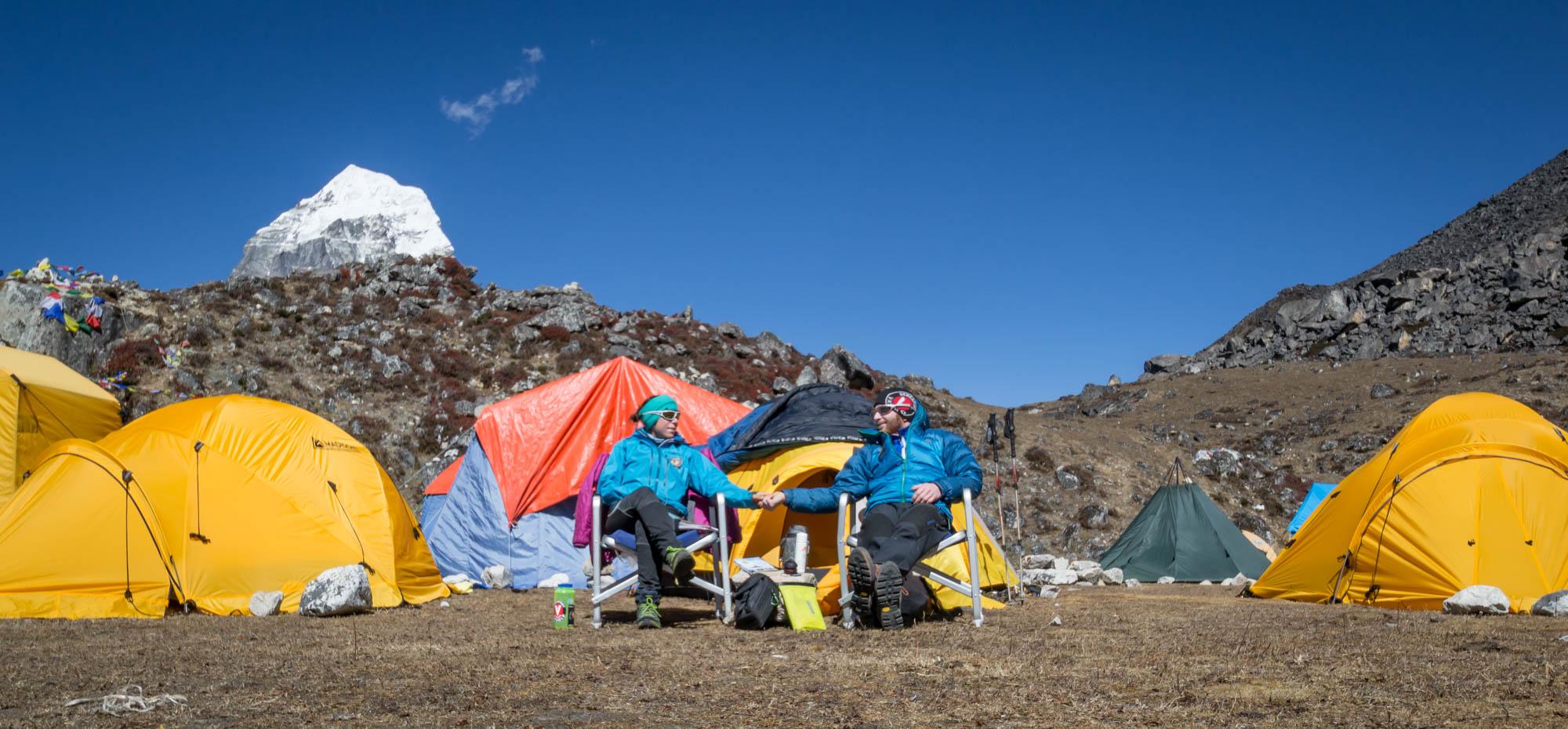 Ein Zelt und ein Koch nur für uns alleine: Wir genossen das Basecamp-Service bei der Ama Dablam. Erhöht den Spaßfaktor einer Expedition.