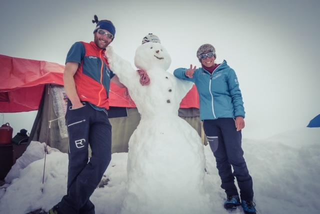 Schneemänner und Schneefrau