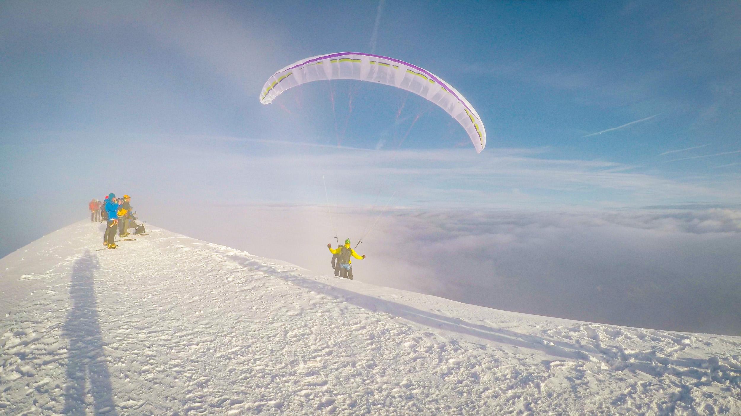Start am Gipfel des Mont Blanc bei Westwind